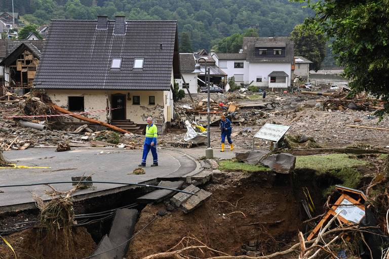 Mortes por chuvas na Europa chegam a 170, e sobreviventes temem rompimento de diques