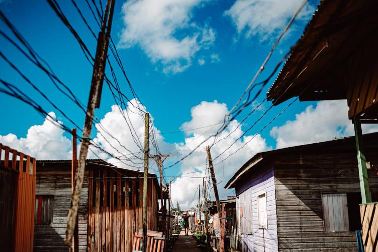 Estrutura da 22ª passarela do bairro Congós, em Macapá