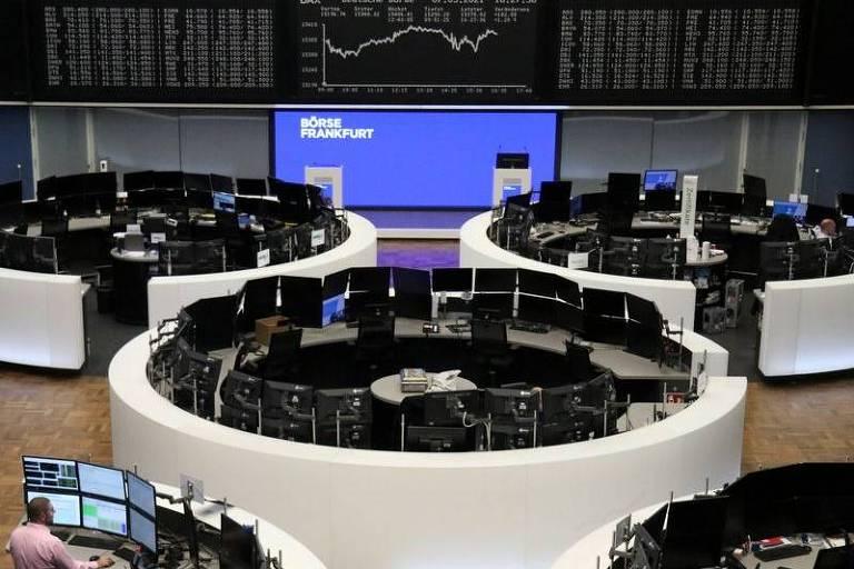Bolsa de Valores de Frankfurt; ações europeias têm pior sessão do ano