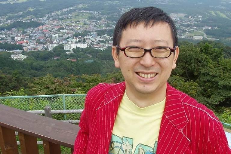 Angelo Ishi é jornalista, sociólogo e professor titular da Musashi University em Tóquio, onde reside desde 1993