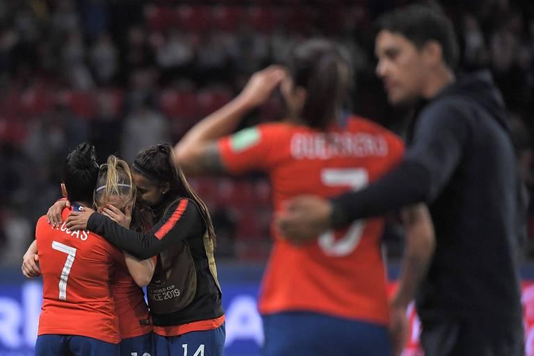 Chilenas lamentam eliminação na fase de grupos na Copa do Mundo de 2019, disputada na França