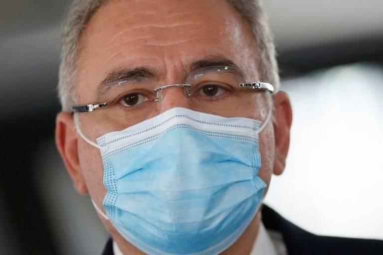 Imagem em close mostra o rosto do ministro da Saúde, Marcelo Queiroga. Ele usa máscara.