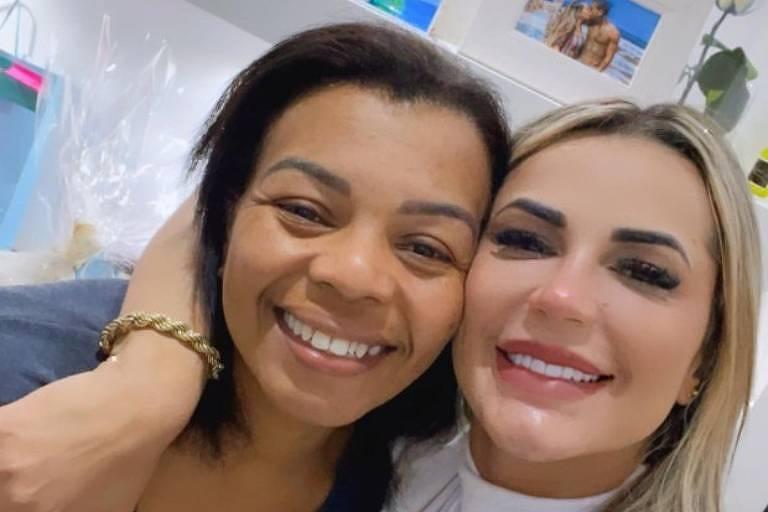 Valquíria Nascimento, mãe de MC Kevin, com a nora, a advogada Deolane Bezerra