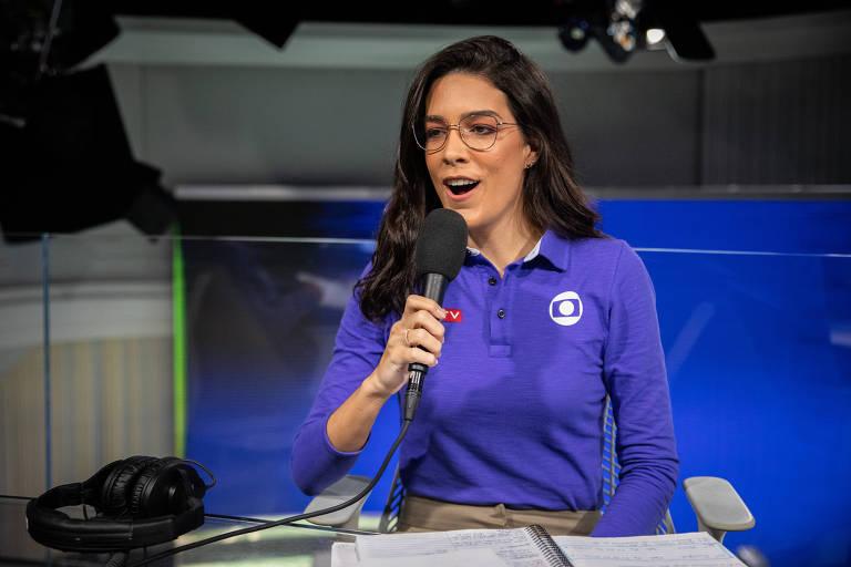 A narradora Renata Silveira em ação