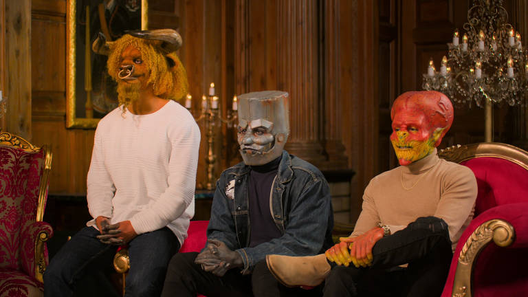 Conquistar por trás de máscaras é desafio de novo reality show de namoro