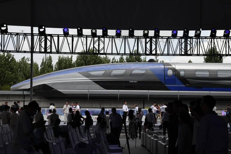China revela trem que pode viajar a 600 km/h