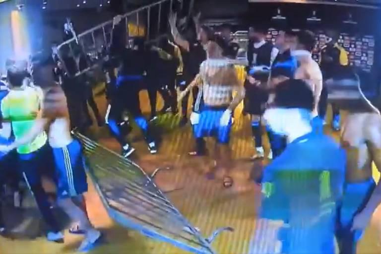 Após confusão no Mineirão, Boca Juniors passa a noite na delegacia e é liberado
