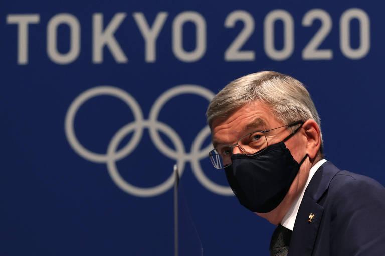 O presidente do Comitê Olímpico Internacional, Thomas Bach, em uma coletiva de imprensa, em Tóquio