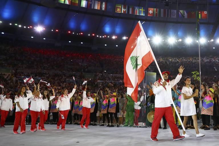 Nacif Elias carregou a bandeira do Líbano na cerimônia de abertura dos Jogos do Rio