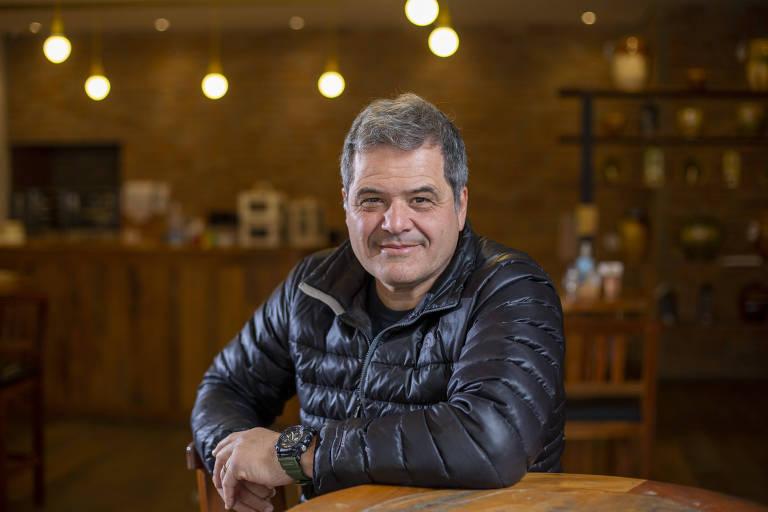 Marcello Lage, da Formaggio Mineiro, que entrega em até duas horas  pão de queijo nas versões waffle e espetinho, itens de empório, como doce de leite, e acessórios, como sacolas térmicas