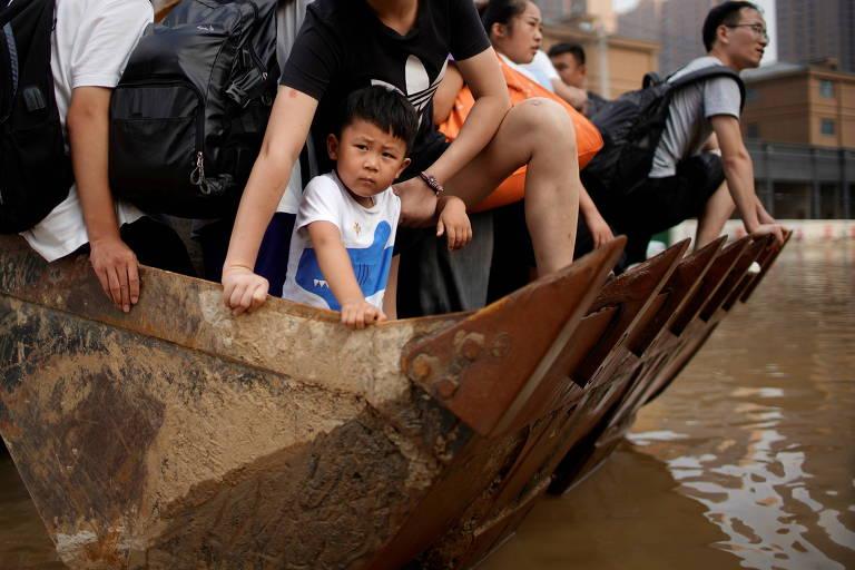 Pior chuva em 60 anos na China deixa dezenas de mortos