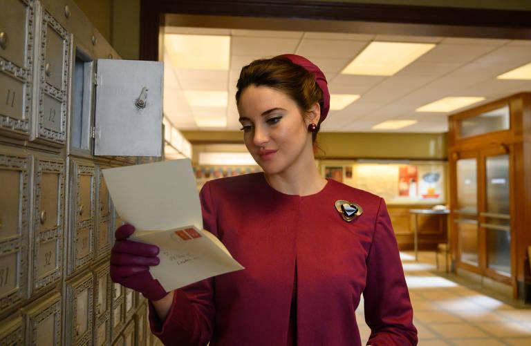"""Shailene Woodley em cena do filme """"A Última Carta de Amor"""", de Augustine Frizzell"""