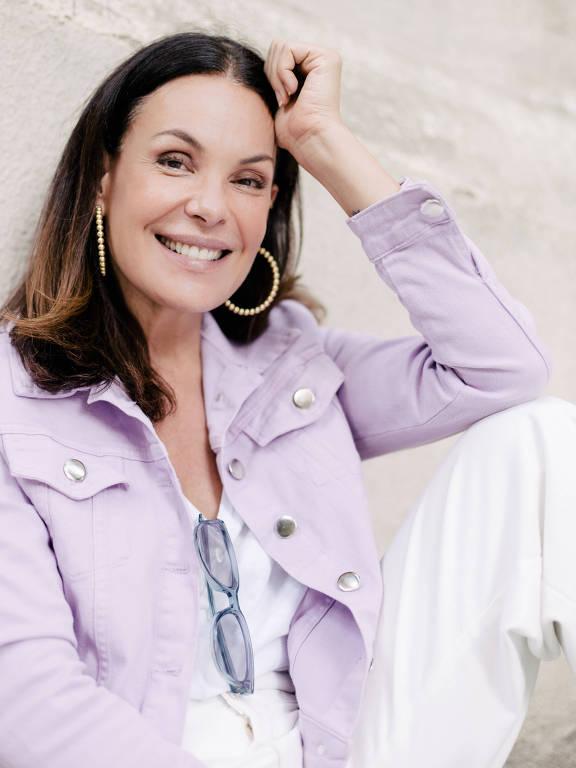 Imagens da atriz Carolina Ferraz