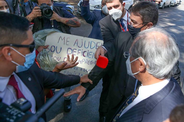 Bolsonaro diz que enxugamento da Economia dará 'descompressão' a Paulo Guedes