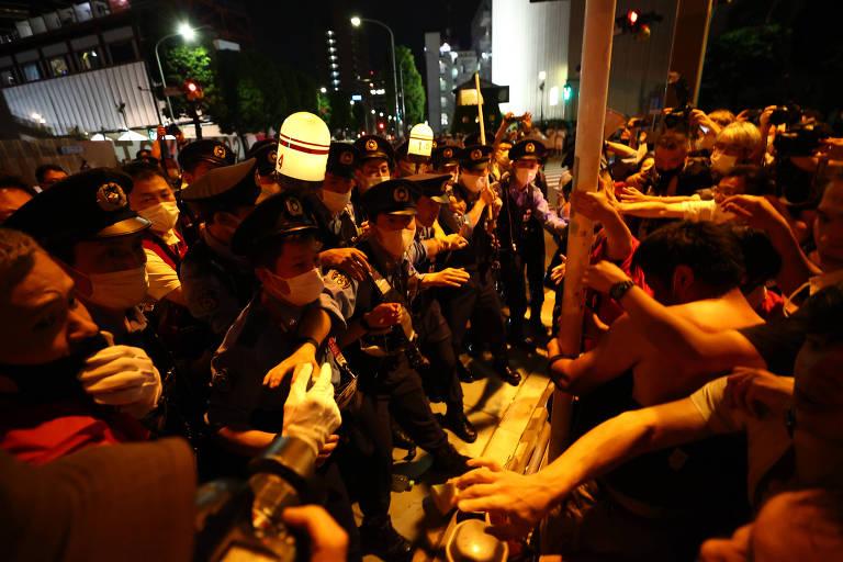 Centenas protestam contra Olimpíadas de Tóquio, mas há quem lamente não poder vê-las