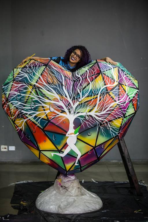 Ruas de São Paulo ganharão corações gigantes retratando histórias de amor