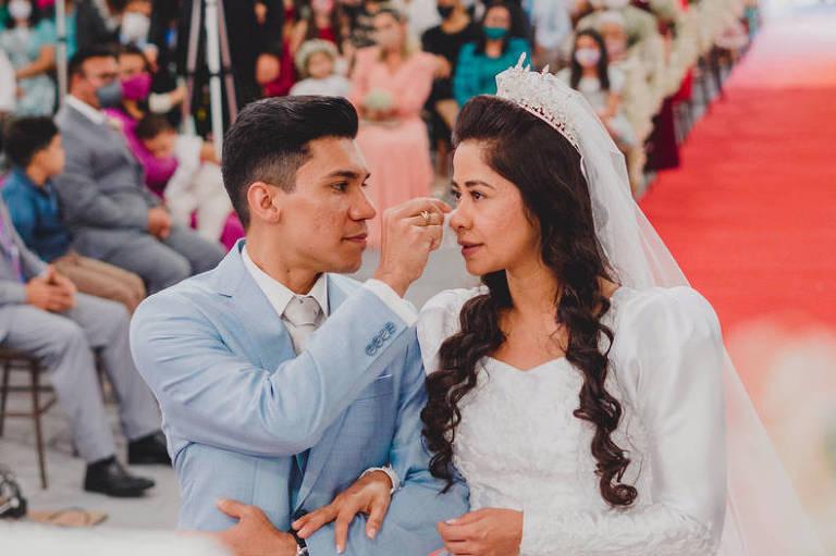Avanço da vacinação contra a Covid volta a dar esperança a noivos