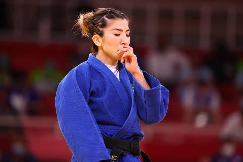 Tokyo 2020 Olympics - Judo - Women's 48kg - Last 16 - Nippon Budokan - Tokyo, Japan - July 24, 2021. Gabriela Chibana of Brazil reacts after losing REUTERS/Sergio Perez