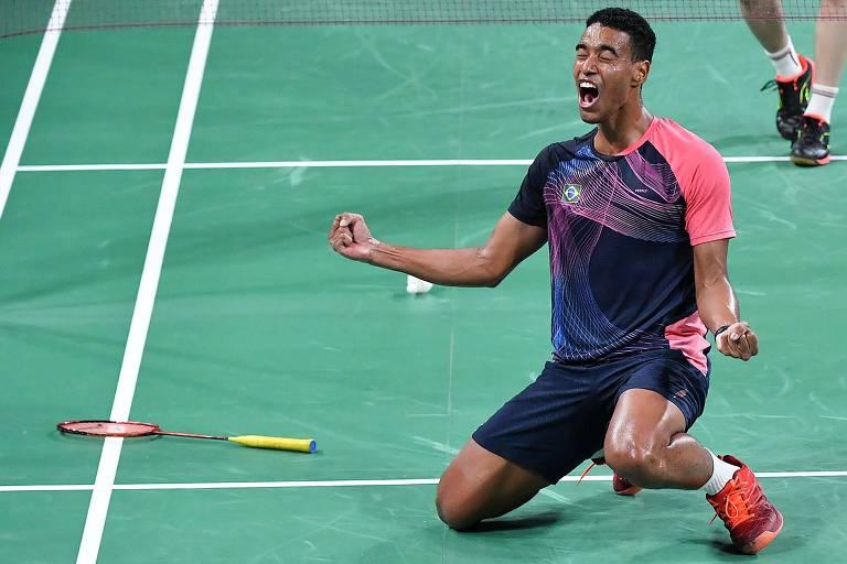 Ygor Coelho comemora vitória na final do badminton no Pan de Lima, em 2019