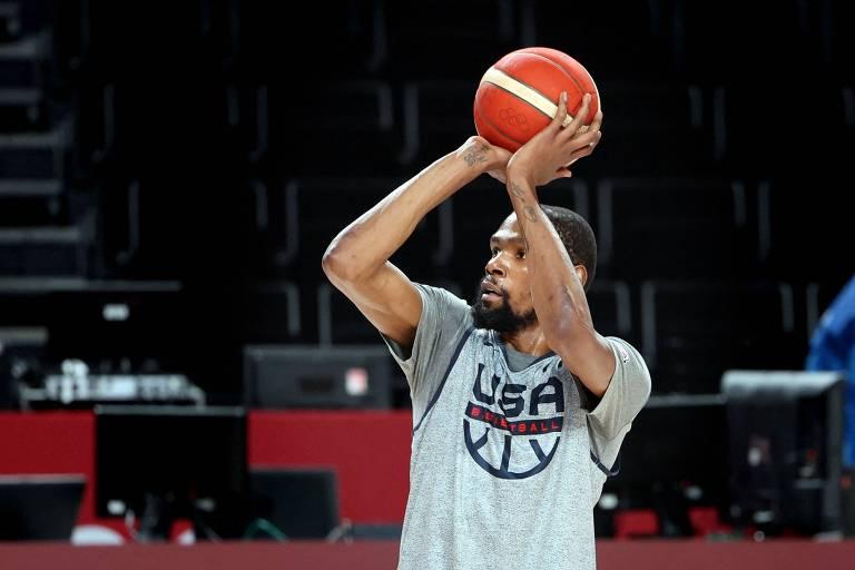 Sem encanto do Dream Team, EUA estreiam no basquete cheios de dúvidas