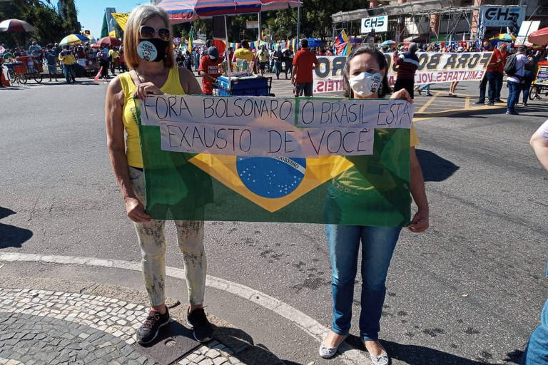 Protesto contra o governo de Jair Bolsonaro no centro do Rio, neste sábado (24)