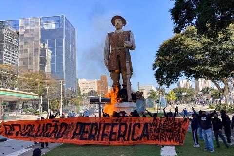 Estátua do bandeirante Borba Gato é incendiada em São Paulo