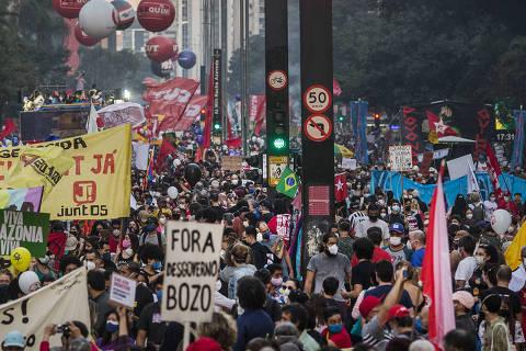 Manifestantes voltam às ruas contra Bolsonaro em São Paulo, mas ato tem menor adesão