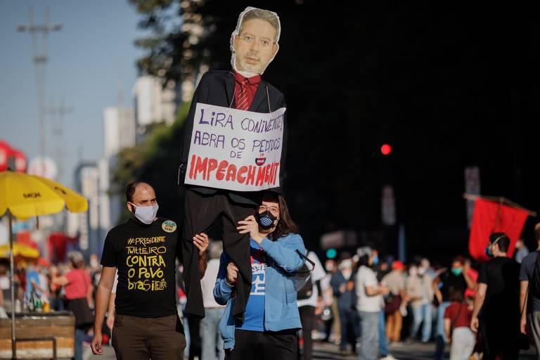 Manifestantes voltam às ruas de São Paulo pedindo o impeachment do presidente Jair Bolsonaro
