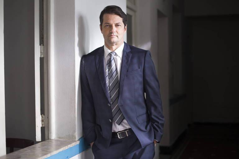 Marcelo Serrado diz não ter semelhança com Malagueta de 'Pega Pega'