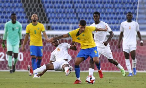 Brasil tem expulsão no início e empata sem gols com Costa do Marfim no futebol