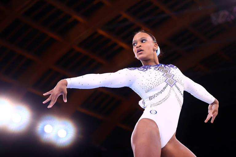 É falso que trilha sonora da ginasta Rebeca Andrade nas Olimpíadas seja homenagem a Bolsonaro