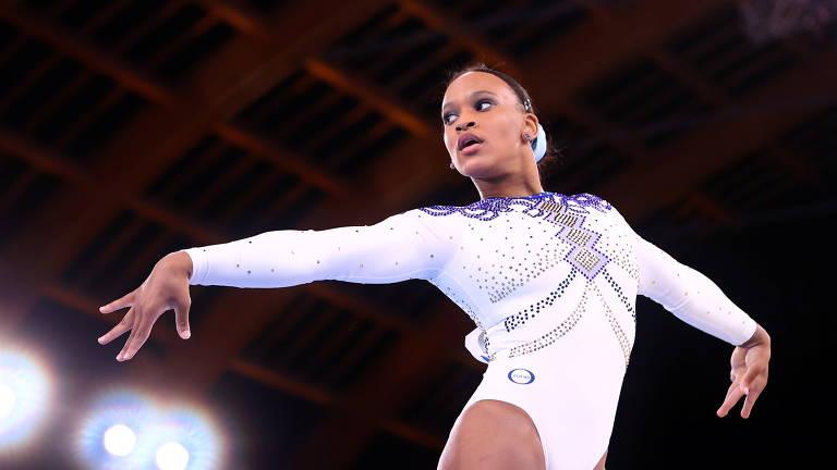 Ginastas Rebeca e Flavia se apoiam em dia de brilho e lesão nas Olimpíadas