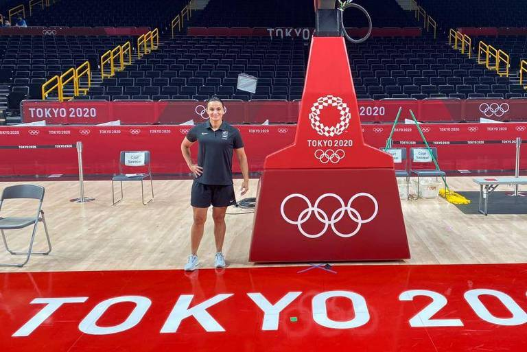 Andreia Silva na quadra de basquete da Olimpíada de Tóquio-2020