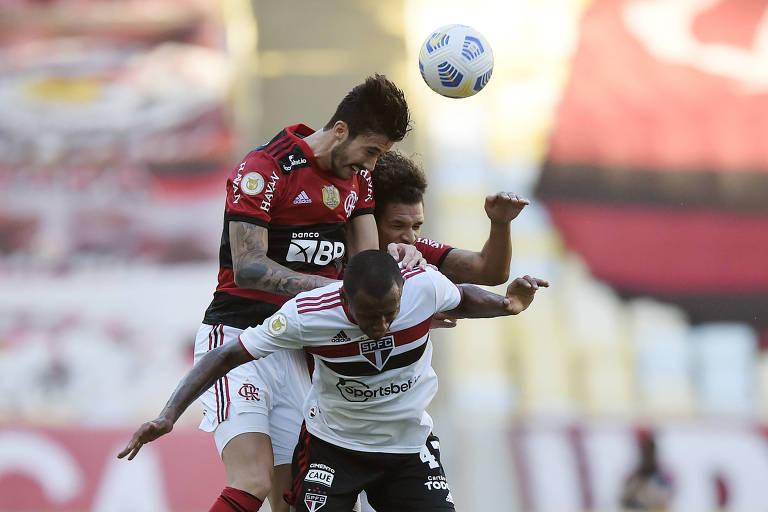 Caneladas do Vitão: Flamengo afunda Tricolor de virada e se mantém na briga!