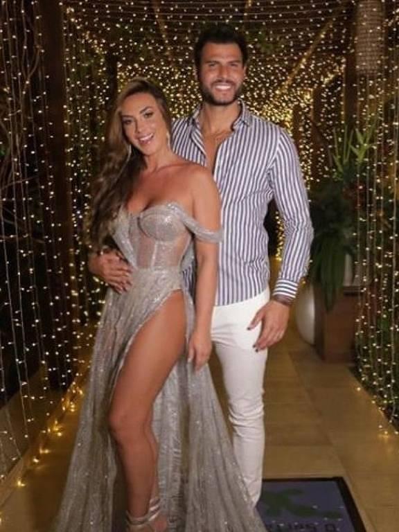 Marcelo Bimbi e Nicole Bahls passam Ano-Novo juntos em Maceió (AL)