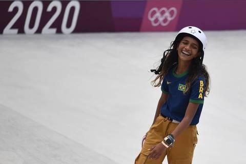 Skatista Rayssa Leal faz história e conquista prata nas Olimpíadas aos 13 anos