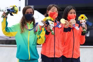 Skateboarding - Women's Street - Medal Ceremony