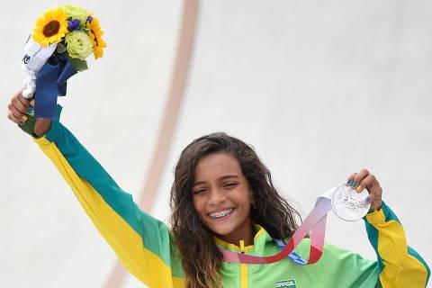 Rayssa Leal transforma diversão e leveza em conquista nas Olimpíadas