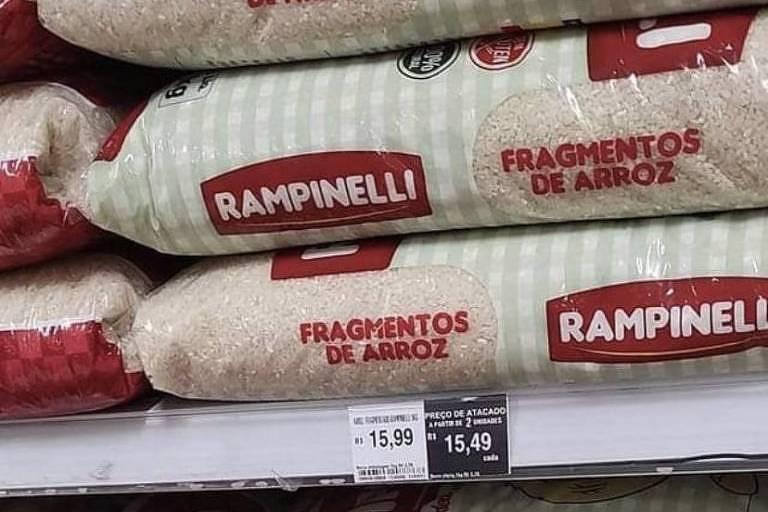 "Sacos de arroz da marca Rampinelli onde se lê ""fragmentos de arroz"""
