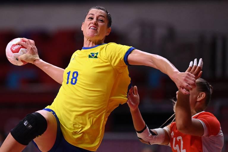 Duda Amorim durante partida contra a Hungria nas Olimpíadas