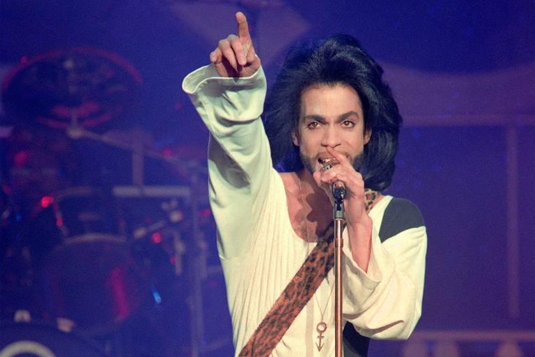 Prince volta em disco póstumo cantando sobre o racismo e as fake news