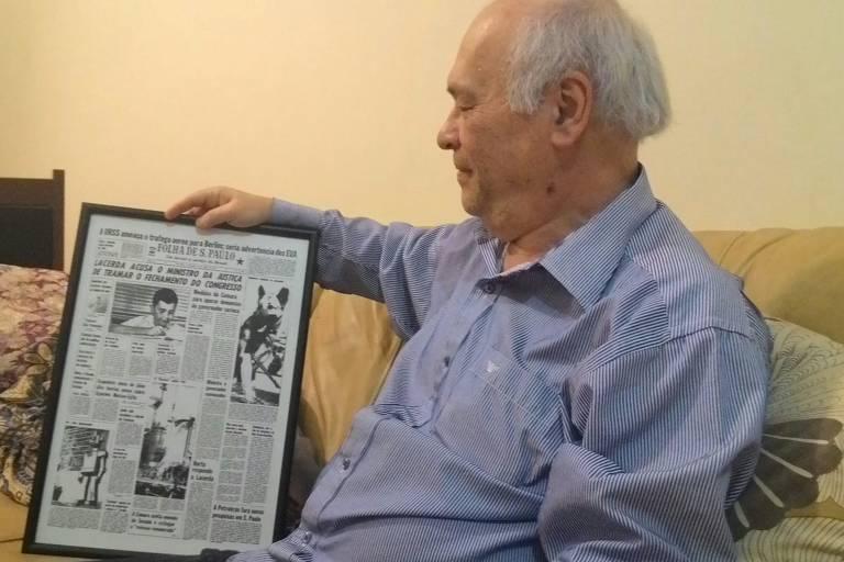 Fiszel Turteltaub (1951-2021) com o perfil publicado na Folha em 1961