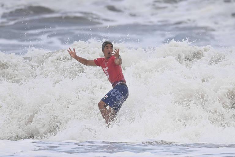 Que a ira da família Brunet caia sobre o surfista japonês até os próximos Jogos