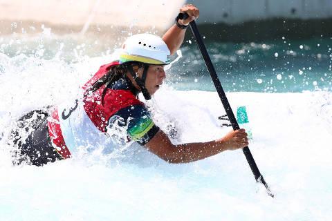 Tokyo 2020 Olympics - Canoe Slalom - Women's C1 - Heats - Kasai Canoe Slalom Centre, Tokyo, Japan - July 28, 2021. Ana Satila of Brazil in action REUTERS/Stoyan Nenov