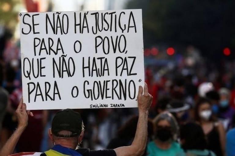 Protesto contra o presidente Jair Bolsonaro no último sábado, em São Paulo; pesquisa aponta sensação de desassistência por parte da população