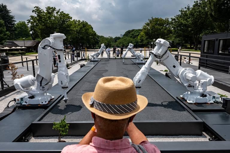 Robôs automotivos são transformados em jardineiros em Tóquio