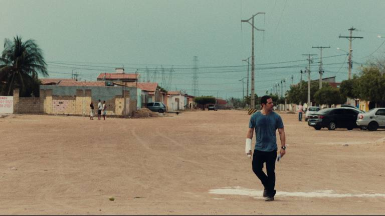 Confira cenas do filme 'Deserto Particular', de Aly Muritiba