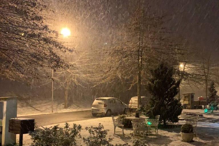 Gramado e mais de dez cidades gaúchas registram neve; veja imagens