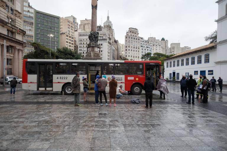 São Paulo monta megaestrutura para abrigar pessoas em situação de rua