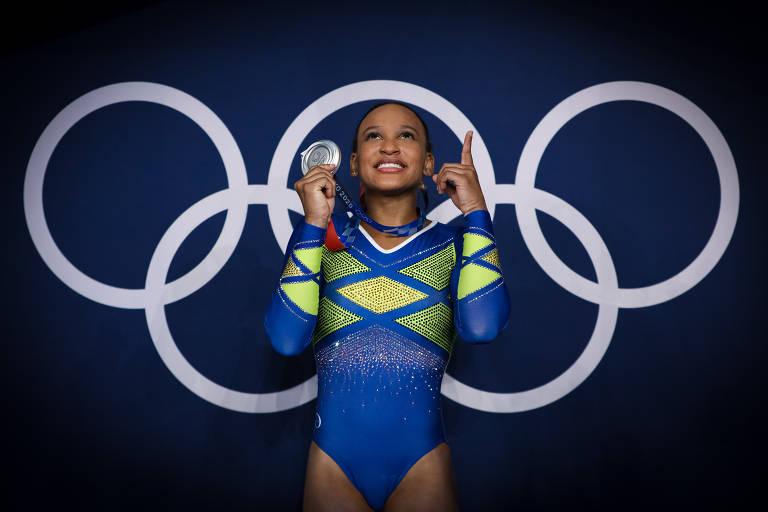 Rebeca Andrade conquista a medalha de prata na ginástica nas Olimpíadas